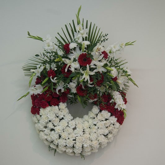 Corona con flor variada